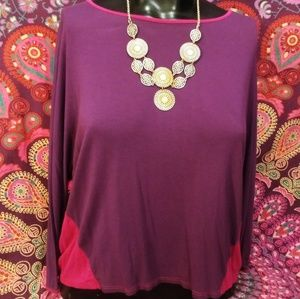 Women's beautuful hi lo 3/4 sleeve top n necklace